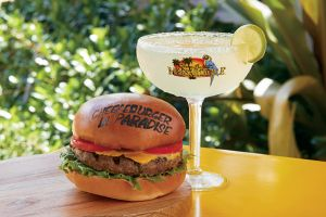 Margaritaville Chesseburger and Margarita