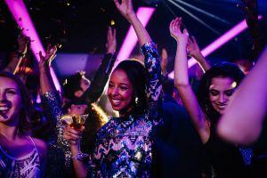 girl dancing in club