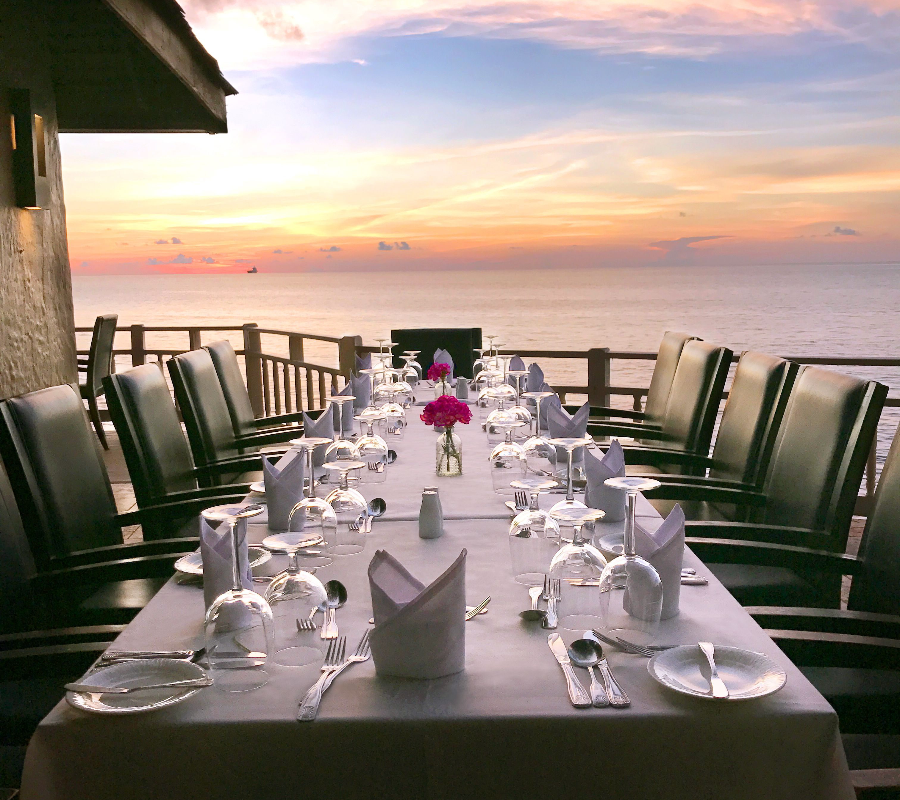 Patio restaurant table with white table cloth